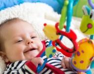 Lire la suite de Comment stimuler la vision de bébé ?