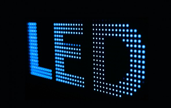 La lumière bleue des LED sous le feu des projecteurs